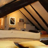Cozy Living with private parking, hotel in Airolo