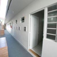 Estúdios Individual na Meia Praia ar, wifi, vaga, cozinha - Bruno Klemtz - Recatno dos Passaros - 10 x no cartao, hotel in Itapema