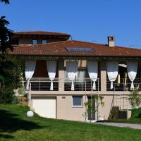 Villa Sveva, hotel in Ome