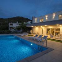 Luxury Blue Villas Vis