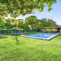 Villa with 7 bedrooms in Capellades Barcelona with wonderful mountain view private pool furnished garden, hotel en Capellades
