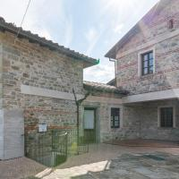Attractive Holiday Home in Casola in Lunigiana with Pool, hotel a Casola in Lunigiana