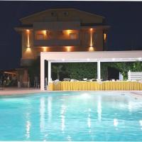 Hotel Maria, hotell i Pineto