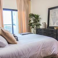 Signature Holiday Homes - Newly Furnished 1 BHK in Time Place Tower, Dubai Marina
