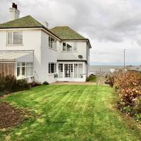 A Warm and Welcoming Family Home - By the Sea!