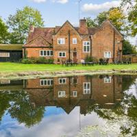 NEW Historical Cottage Escape BIG