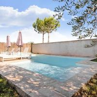 Vibrant Holiday Home in Fraga with Private Pool, hotel en Fraga