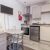 Flat 2, 15 Foregate Apartment - Worcester City Centre