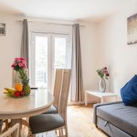 Martin House Lovely Cosy Two Bedrooms Apartment with Private Balcony Zone One