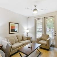 Gorgeous Updated 1 Bedroom with Pool and Gym