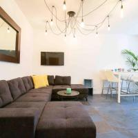 Townhouse in historic district of Vieil Antibes 14 people