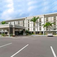 Comfort Inn & Suites Clearwater - St Petersburg Carillon Park, hotel near St. Pete-Clearwater International Airport - PIE, Clearwater