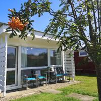 Sea Lavender Holiday Chalet, close to sandy beach