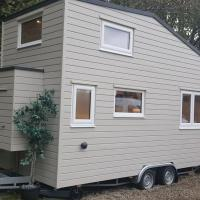Cosy 1-Bed Tiny House in Dunblane