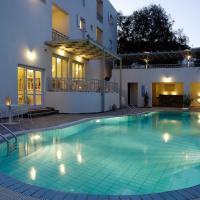 Filoxenia Apartments, hotel in Agia Pelagia