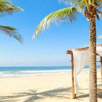 Luxury Beachfront Villa with Hotel Service - Las Palmas F24, hotel near Ixtapa-Zihuatanejo International Airport - ZIH, Barra de Potosi