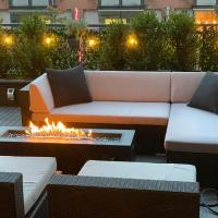 Modern 2 bed w/ Parking Big Private Patio
