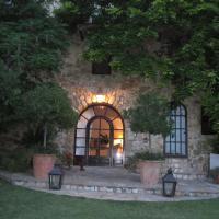 Can Serola, hotel a Sales del Llierca
