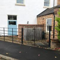 Pool House - 1 Bridgewater