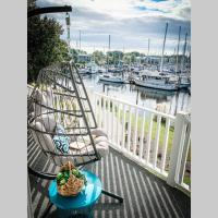 Salty Sweet Retreat - Entire Harbourside Condo