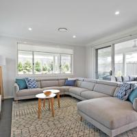 Spacious And Luxurious Beach Home, hotel em Catherine Hill Bay