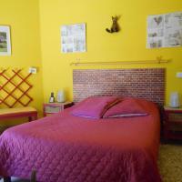 Room in Guest room - La Chambre Du Mimosa