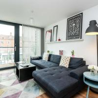 NEW Bright & Sleek 2 Bedroom Flat - West London