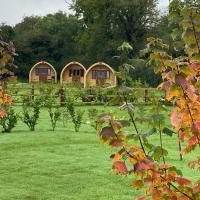 Southwell Retreat Glamping Pods, hotel in Southwell