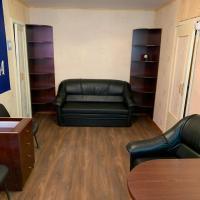 2х комнатная квартира со всеми удобствами, Hotel in Nikel'