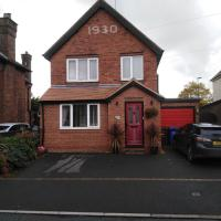 24 Fairfield Road, hotel in Uttoxeter
