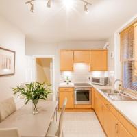 Harlow View Apartment, Harrogate - 2 bedroom duplex apartment. Sleeps 6. Dog Friendly.