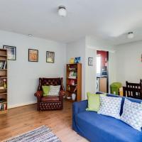 Top-Floor Bright & Sunny 3-Bedroom Appartment