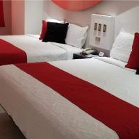 Hotel Dluxe and Suites