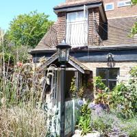 Secret Garden Hideaway For Adults