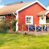 One-Bedroom Holiday home in Hjältevad, hotel in Svenstorp