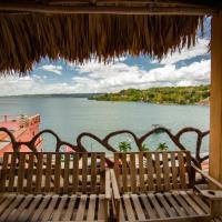 Hotel y Restaurante Aurora, hôtel à Flores