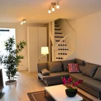 Fabulous 4 Bedroom Duplex by the City Centre Leidseplein! - Ref AMSA404