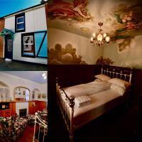 "Victoria ""Titanic"" retreat, a 1910 workers cottage, hotel near George Best Belfast City Airport - BHD, Belfast"