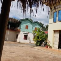 ques house, hotel in Phumĭ Ta Ĕn