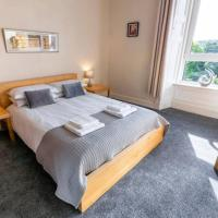 ☆ Bright, 2 Bedroom West End Apartment ☆