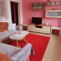 Zrekonštruovaný byt s výhľadom na tichom mieste, hotel in Púchov
