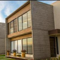 Bonita casa climatizada en Fracc Privado