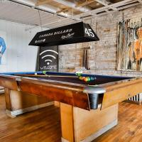 5 Bedrooms Condo in Old Port Montreal, hotel em Montreal