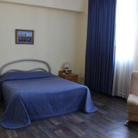 Hotel-Club 12 Feet, hotel in Yurga