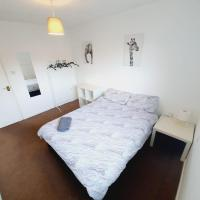 2 Bedroom Rayleigh Apartment, hotel in Rayleigh