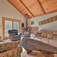 Cozy Cabin with Fire Pit 3 Miles to Stowe Mtn!