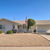 Quiet Home in Sun City - Golf and Hike Nearby!, hotel in Sun City