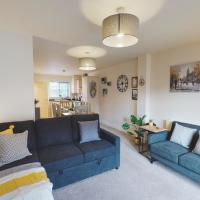 SPACIOUS & MODERN 4-BED TOWNHOUSE - GREAT LOCATION - FREE PARKING - Sleeps 8