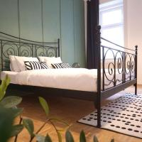 Lavish 4Bdr Self-Check-in APT with Balcony, hotel in 17. Hernals, Vienna