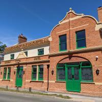 Railway Hotel, hotel in Fordingbridge